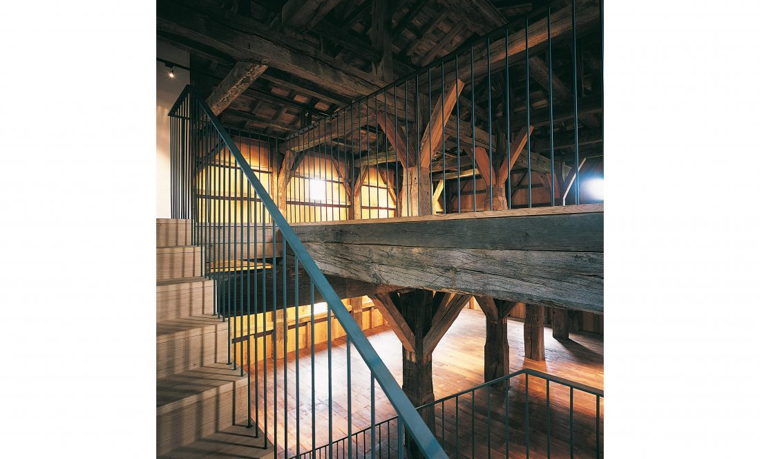 apezteguía architects_torre donamaria_interior escalera