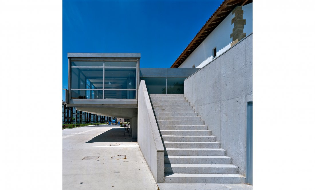 apezteguia architects_mendibile_detalle acceso restaurante
