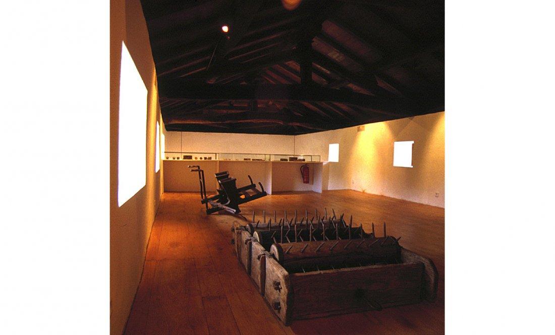 apezteguía architects_molino_sala exposiciones