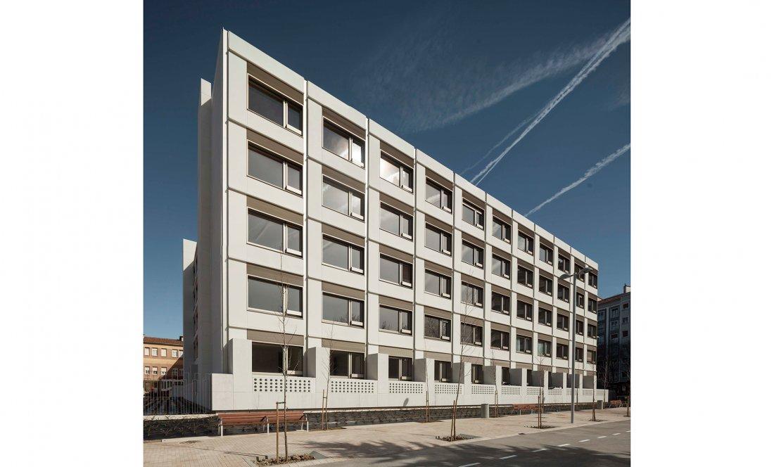 apezteguia architects_NER_alzado habitaciones
