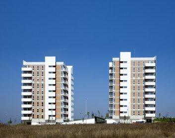 vista exterior. 66 VPO+CM. Apezteguia Architects